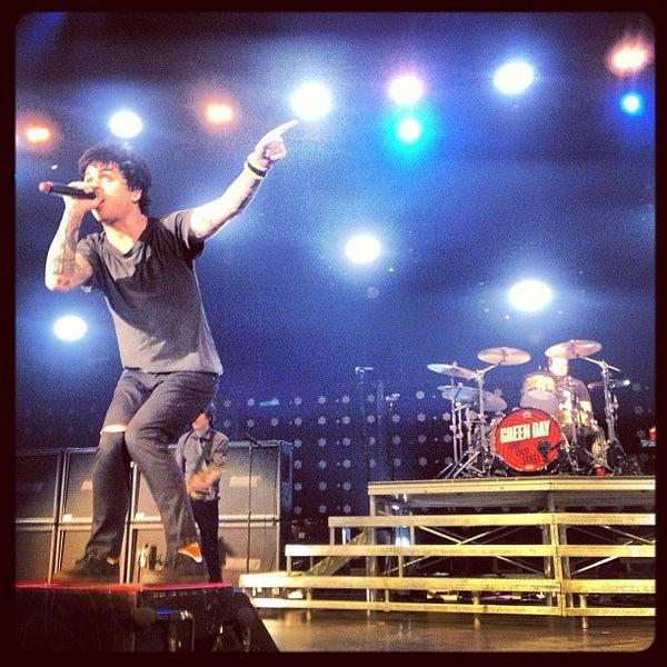 รูปภาพถ่ายที่ Allstate Arena โดย Steve 'Canada' P. เมื่อ 3/29/2013