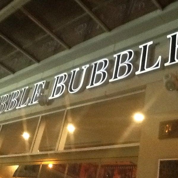 Photo prise au Cafe Hubble Bubble par Barış I. le5/17/2013