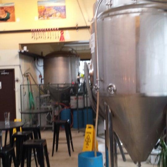 รูปภาพถ่ายที่ Mother Road Brewing Company โดย Darren V. เมื่อ 7/23/2013