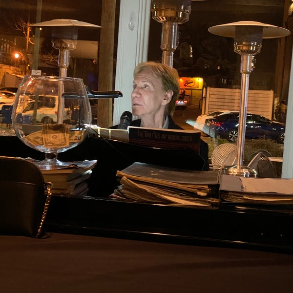 Foto scattata a Campagnolo Restaurant + Bar da Anil B. il 3/7/2020