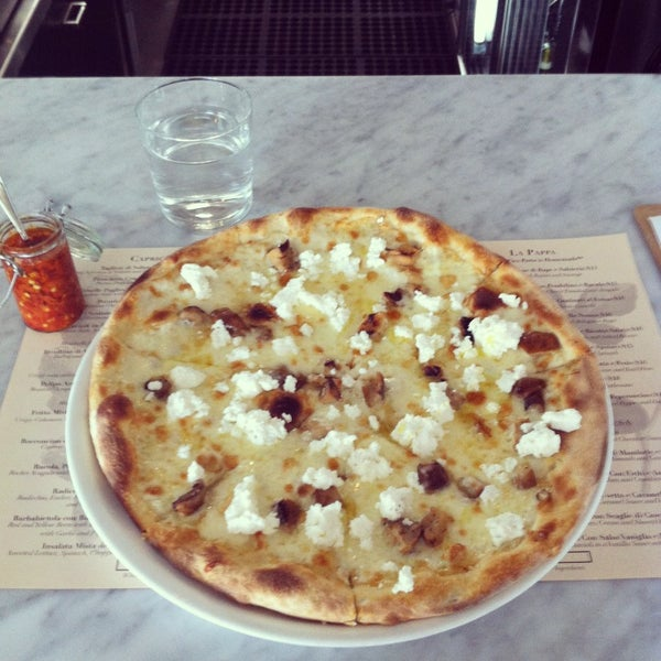 Foto scattata a Pizzeria Il Fico da Kelly B. il 2/13/2013