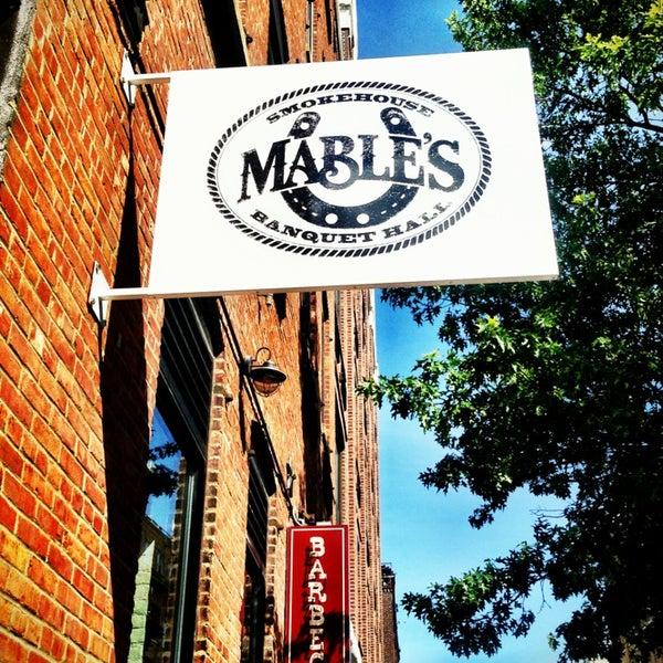 Foto scattata a Mable's Smokehouse & Banquet Hall da Danu A. il 7/6/2013