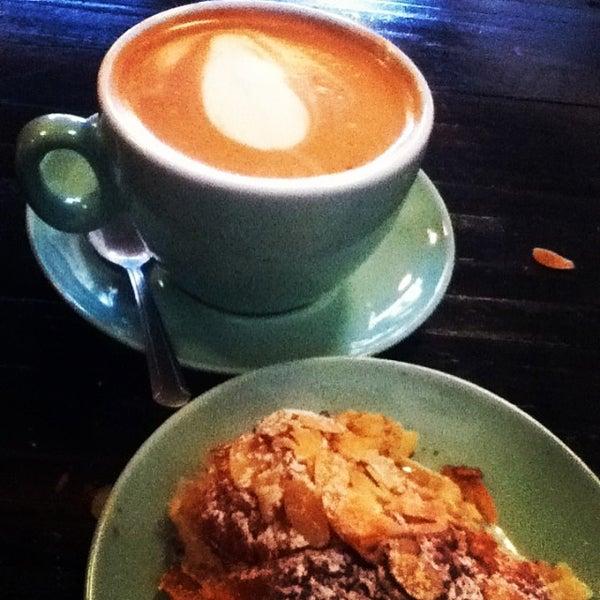 11/13/2013にSara K.がLenox Coffeeで撮った写真