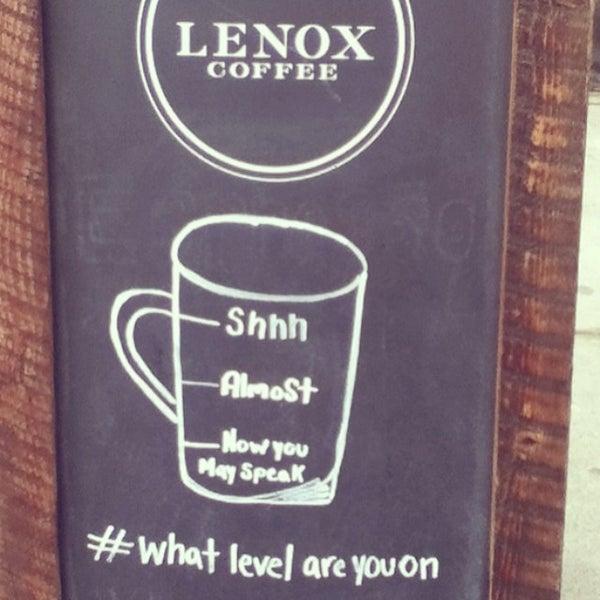 Das Foto wurde bei Lenox Coffee von Sara K. am 3/3/2014 aufgenommen