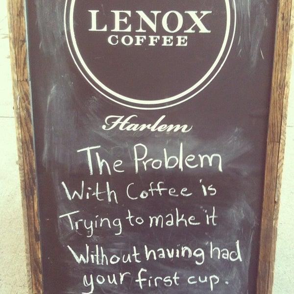 Das Foto wurde bei Lenox Coffee von Sara K. am 7/7/2013 aufgenommen