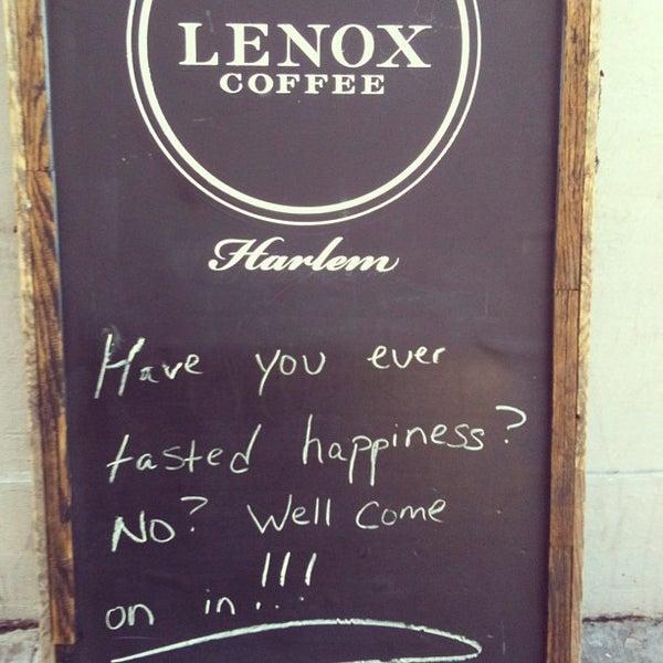Das Foto wurde bei Lenox Coffee von Sara K. am 6/4/2013 aufgenommen