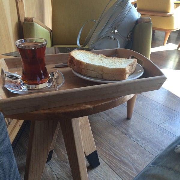 Das Foto wurde bei Cascada Coffee von Tugce H. am 10/2/2016 aufgenommen