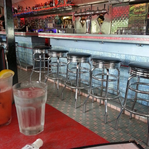 Снимок сделан в Silk City Diner Bar & Lounge пользователем Christopher C. 6/13/2013