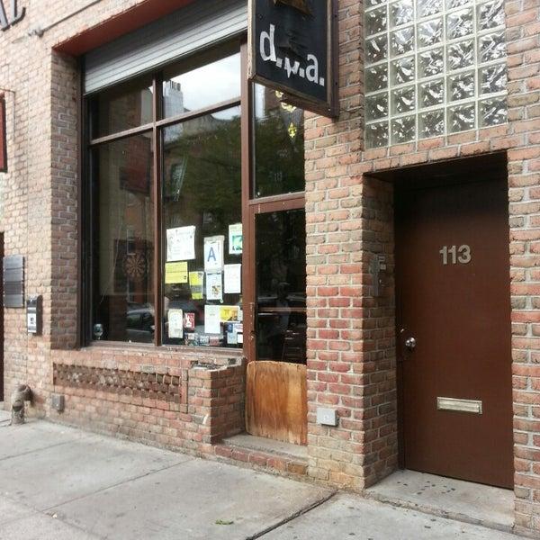 Foto diambil di d.b.a. Brooklyn oleh William C. pada 10/3/2013
