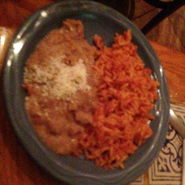 Foto scattata a Burrito Loco da Michelle Wendy il 1/24/2013