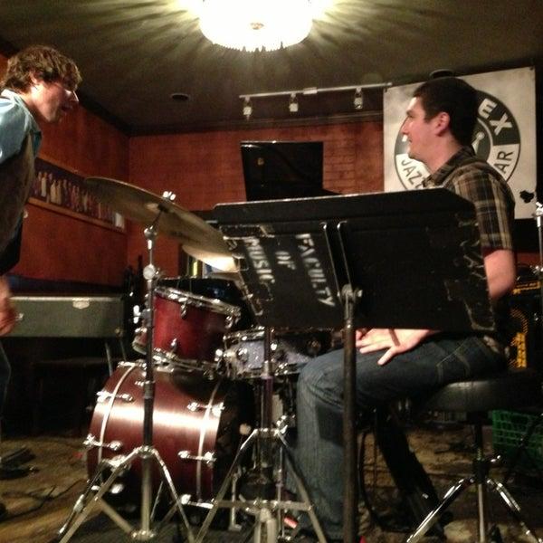 6/9/2013にTim G.がThe Rex Hotel Jazz & Blues Barで撮った写真