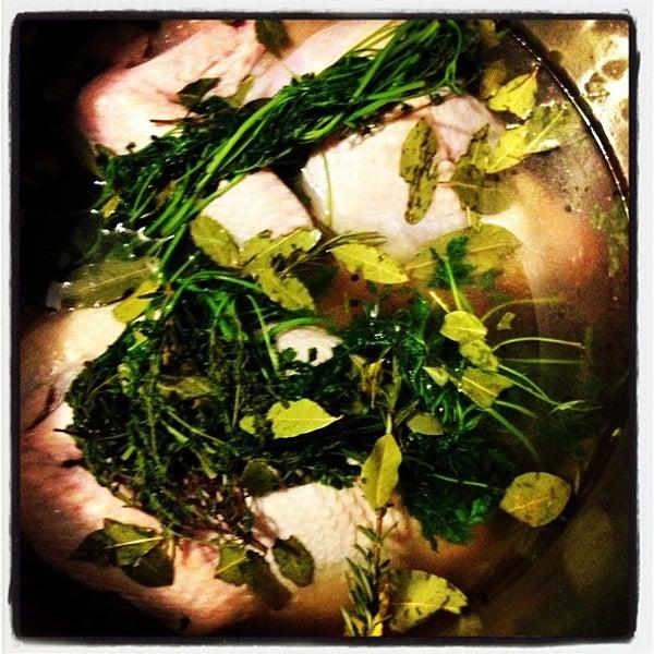 รูปภาพถ่ายที่ Oola Restaurant & Bar โดย Ola F. เมื่อ 11/21/2012