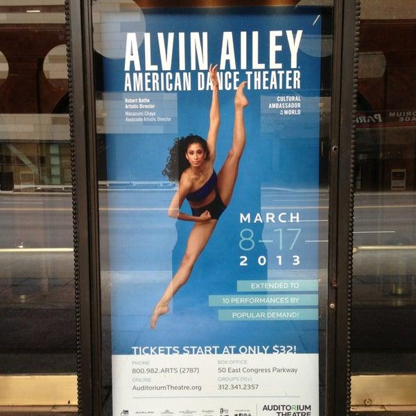 2/12/2013 tarihinde Rod W.ziyaretçi tarafından Auditorium Theatre'de çekilen fotoğraf
