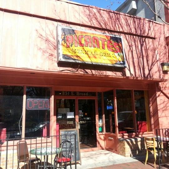 รูปภาพถ่ายที่ Picante's Mexican Grill โดย Dudley R. เมื่อ 11/24/2012