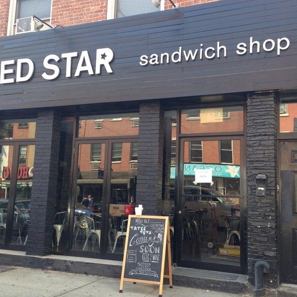 7/11/2014にAshley L.がRed Star Sandwich Shopで撮った写真