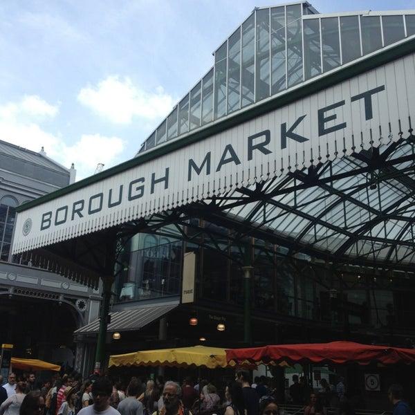 Foto tirada no(a) Borough Market por Jodi O. em 7/13/2013
