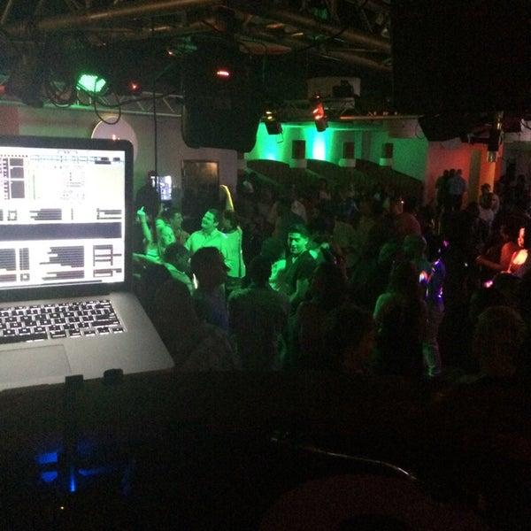 Снимок сделан в Solas Lounge & Rooftop Bar пользователем DJ MEtHoD 9/13/2014