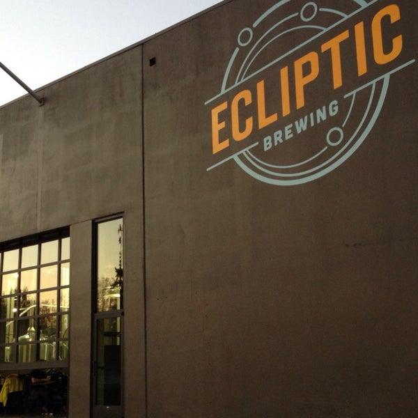 10/27/2013にShep 🍺 S.がEcliptic Brewingで撮った写真