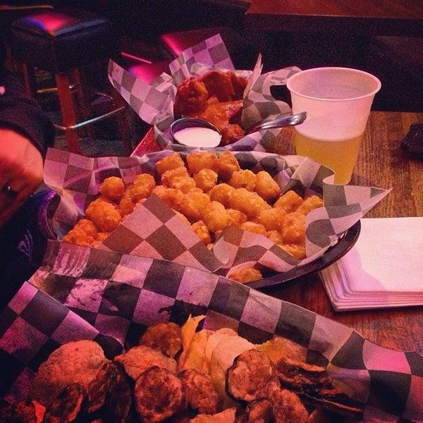 รูปภาพถ่ายที่ Park Tavern Bowling & Entertainment โดย Bryce A. เมื่อ 3/17/2013
