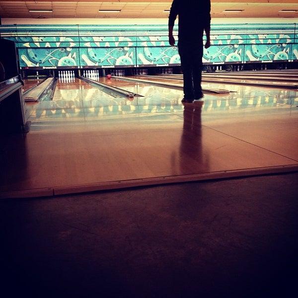 รูปภาพถ่ายที่ Park Tavern Bowling & Entertainment โดย Bryce A. เมื่อ 9/27/2012