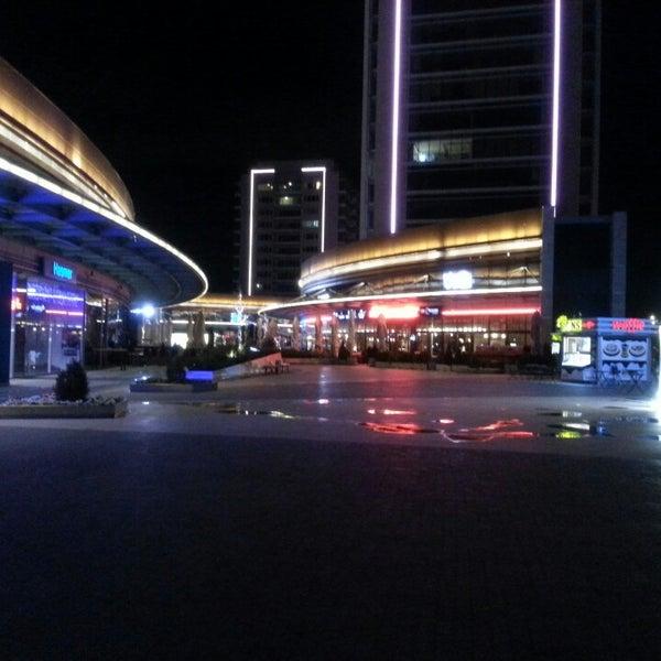 Das Foto wurde bei Tepe Prime Avenue von TuğruL E. am 3/10/2013 aufgenommen