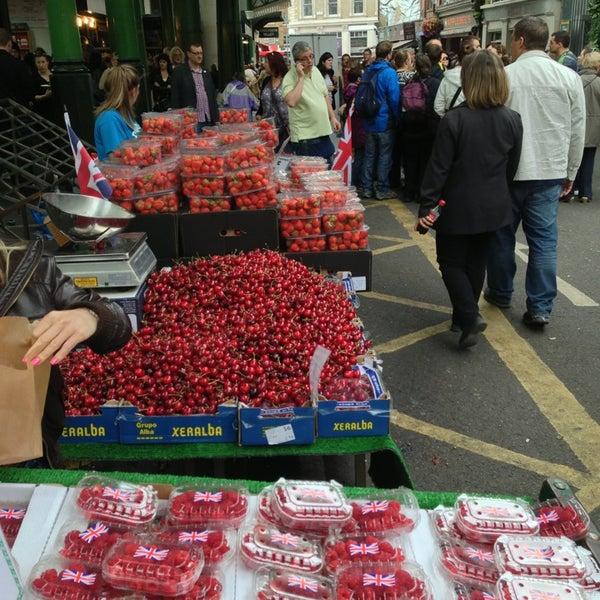 Foto tirada no(a) Borough Market por Alexander O. em 6/22/2013