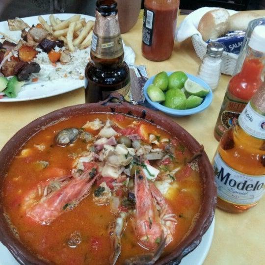 Снимок сделан в Ostionería Mazatlán пользователем Mario Alberto M. 10/14/2012