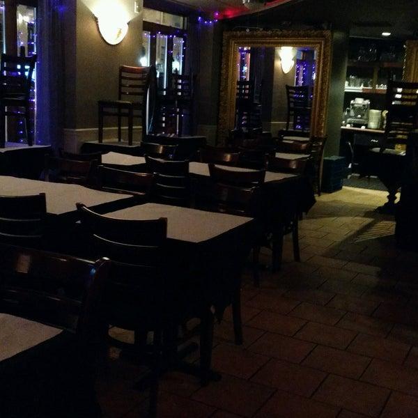 Das Foto wurde bei Lasagna Restaurant von Paul V. am 2/18/2017 aufgenommen