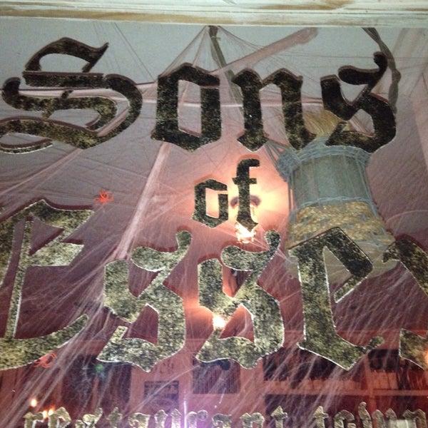 รูปภาพถ่ายที่ Sons of Essex โดย werner s. เมื่อ 11/1/2013