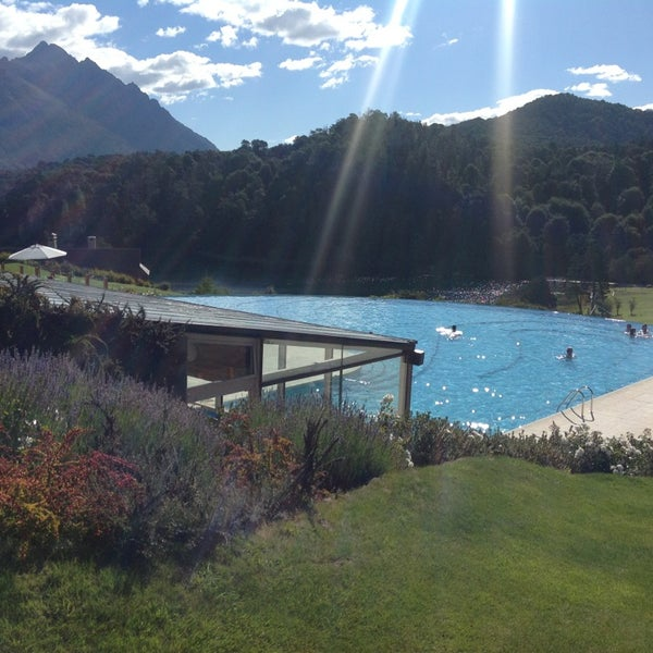 Photo prise au Llao Llao Hotel & Resort par Claudia S. le3/14/2013