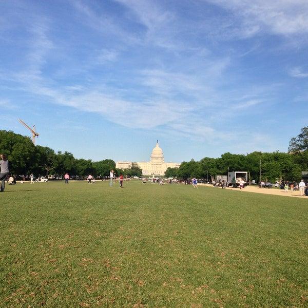 Foto scattata a National Mall da Anastasia M. il 5/5/2013