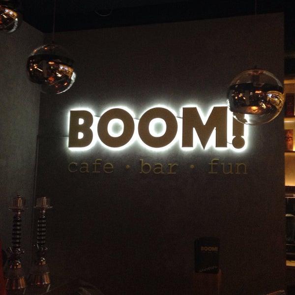 รูปภาพถ่ายที่ BOOM Bar โดย Victoria D. เมื่อ 4/19/2015