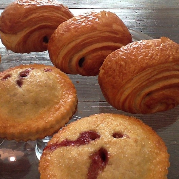 Снимок сделан в Foodink Catering and Grocerie пользователем foodink c. 2/19/2013
