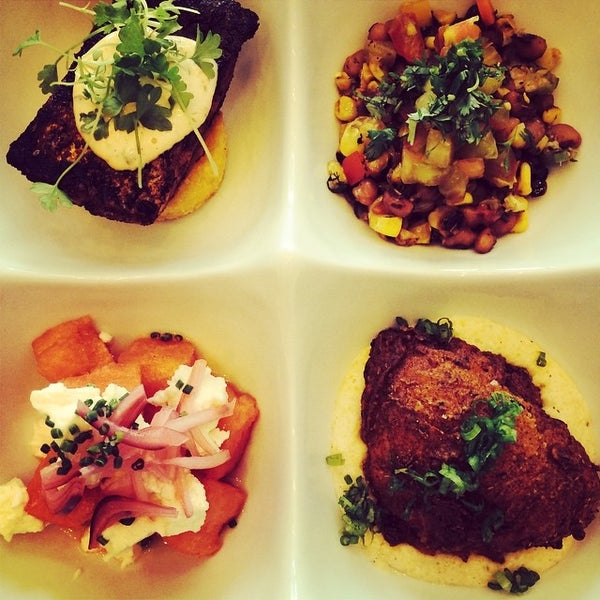 Снимок сделан в Foodink Catering and Grocerie пользователем foodink c. 8/13/2014