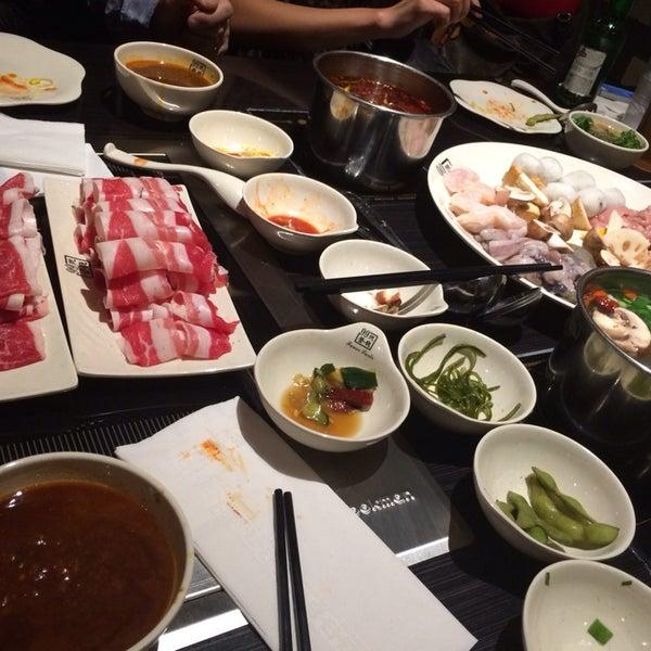 Foto diambil di 99 Favor Taste 99號餐廳 oleh Jonathan L. pada 3/5/2014