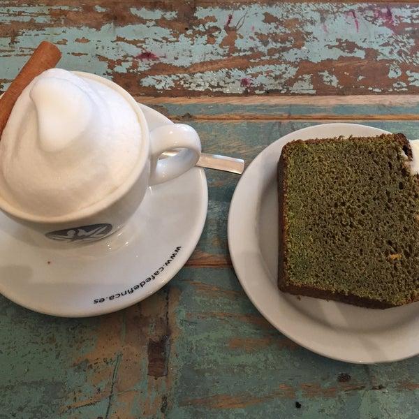 Photo prise au Spice Café par Anna M. le2/27/2018