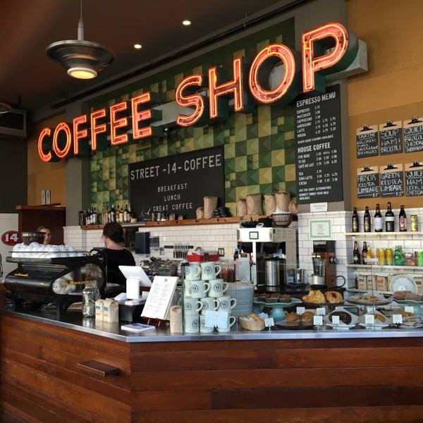 Foto diambil di Street 14 Cafe oleh Jamie I. pada 6/15/2016