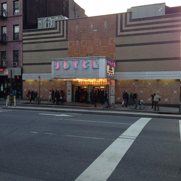 Photo prise au The Joyce Theater par Kevin S. le4/21/2013
