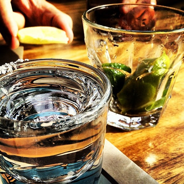 Foto tirada no(a) Sandy's por Mark H. em 9/22/2012