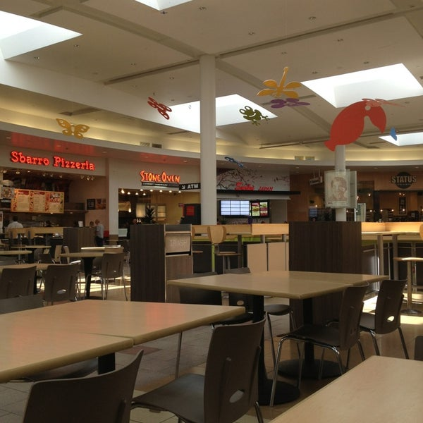 Valencia Town Center: Valencia Town Center Food Court