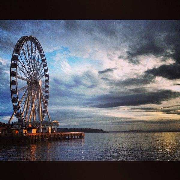 Das Foto wurde bei Waterfront Park von Andrew B. am 6/27/2013 aufgenommen