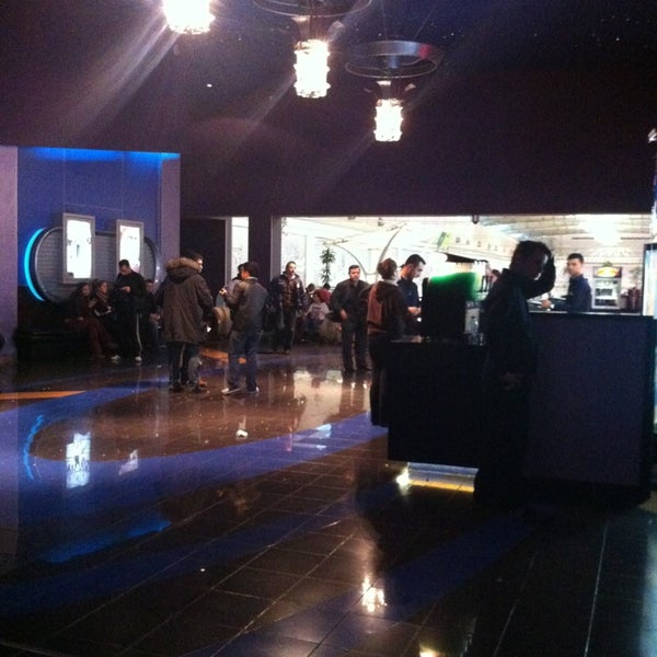 Photo prise au Spectrum Cineplex par . .. le1/19/2013