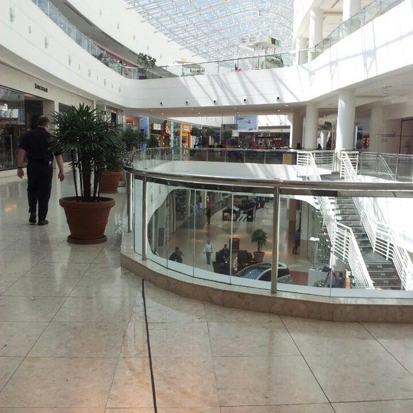 5/6/2013 tarihinde Vanessa T.ziyaretçi tarafından Shopping Palladium'de çekilen fotoğraf