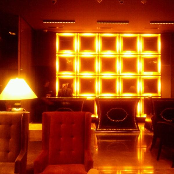 Foto scattata a Hilton da Moises U. il 6/5/2013