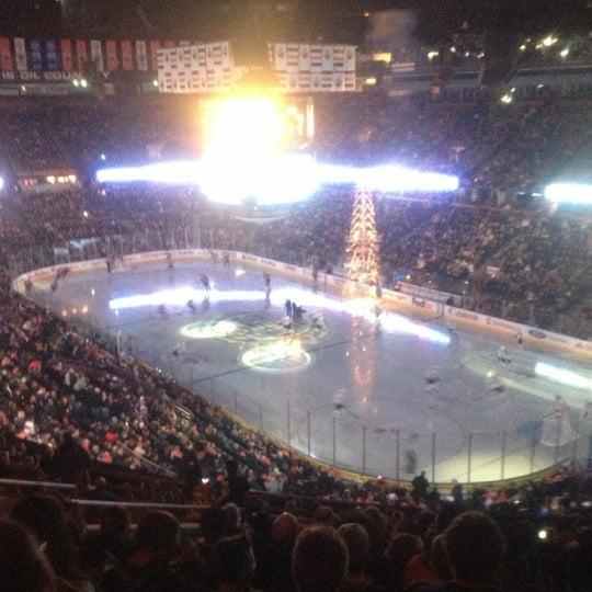 2/13/2013 tarihinde Kelsey L.ziyaretçi tarafından Northlands Coliseum'de çekilen fotoğraf