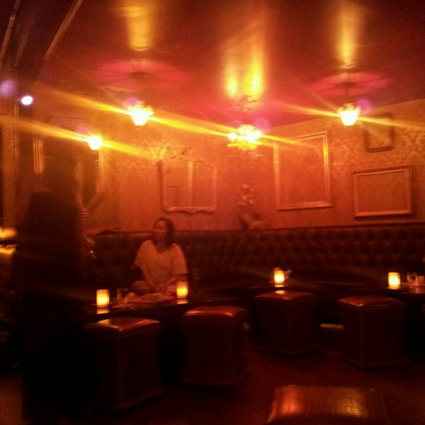 Foto tomada en Seventy7 Lounge por Vanessa S. el 4/20/2013