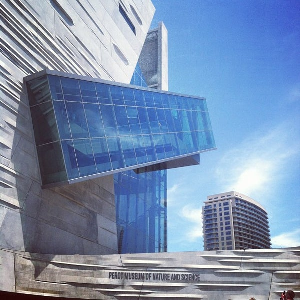 Foto tirada no(a) Perot Museum of Nature and Science por Ashley G. em 5/12/2013