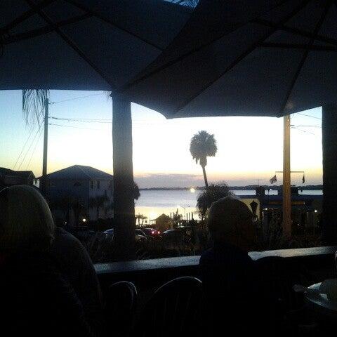 Foto tomada en Pisces Rising por James H. el 10/13/2012