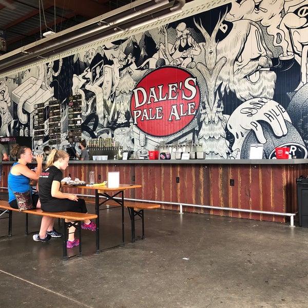 7/27/2020 tarihinde Jessica D.ziyaretçi tarafından Oskar Blues Brewery'de çekilen fotoğraf
