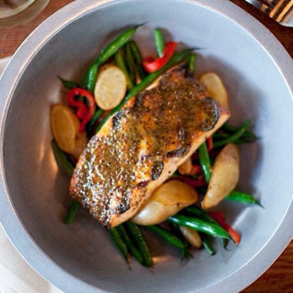 Foto tirada no(a) Spike Africa's Fresh Fish Bar & Grill por Edward L. em 5/17/2013